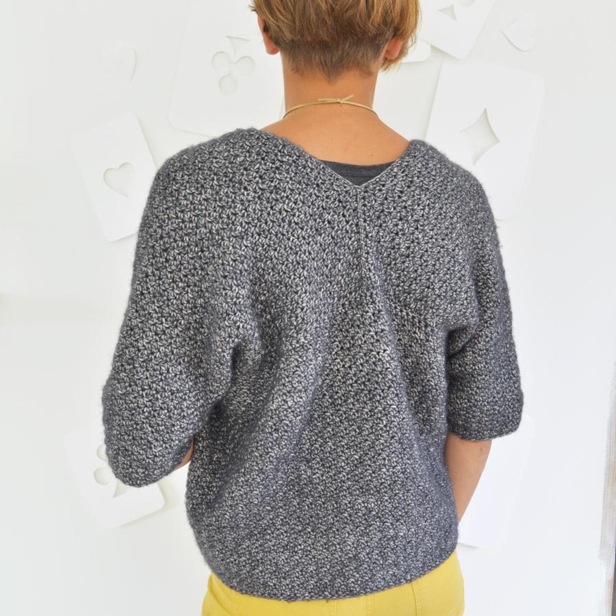 gilet-crochet-gris-dos-900