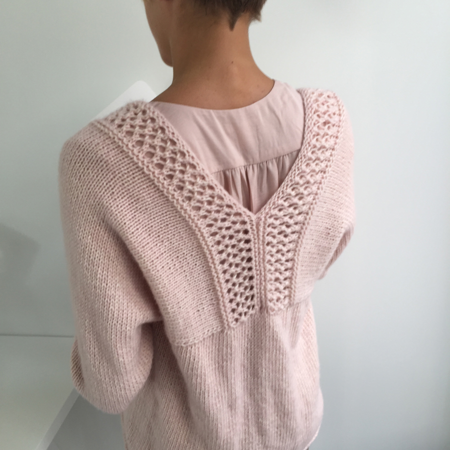 gilet rose tricot dos taille 2 - 900