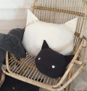 coussin-chat-blanc-kit