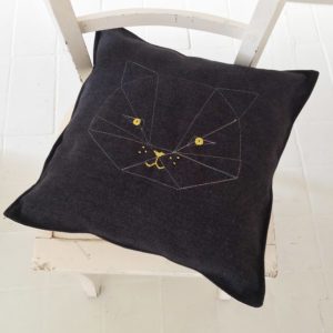 coussin-chat-brode-T1-kit
