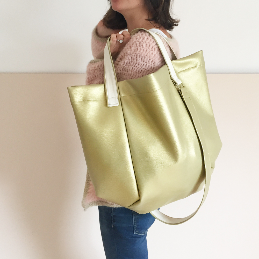 Giant-winter-bag-gold-1000